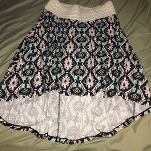 Dresses & Skirts - Hi-front Lo-back skirt